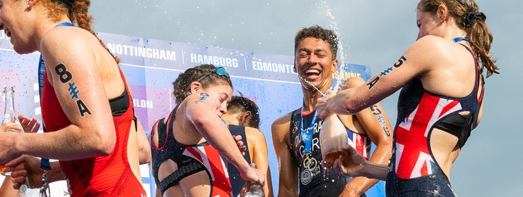 Great Britain take gold at Accenture World Triathlon Mixed Relay Nottingham